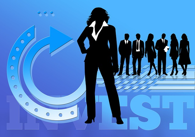 businesswoman-517122_640