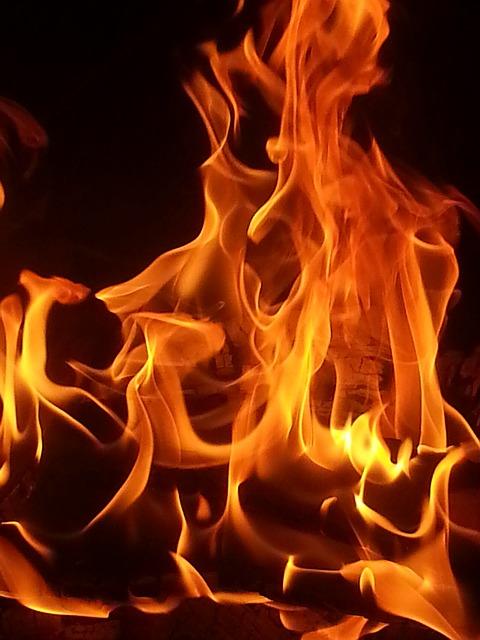 fire-95614_640